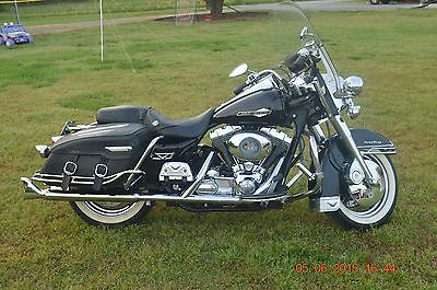 Harley Davidson Road King Classic Windshield Bushings