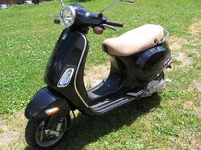 Other Makes : Vespa Piaggio 2007 vespa piaggio lx 150 motor scooter only 437 miles like new