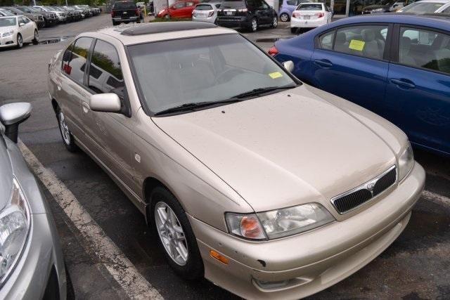 2001 Infiniti G20 4D Sedan
