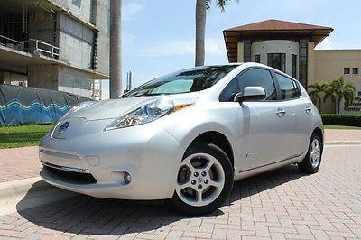 Nissan : Leaf SV 2013 nissan leaf sv navigation heated seats keyless start quick charge 1 owner