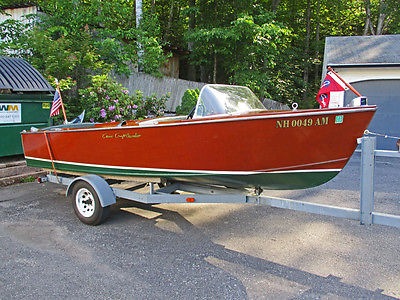 1956 17ft Chris Craft Cavalier wooden runabout boat