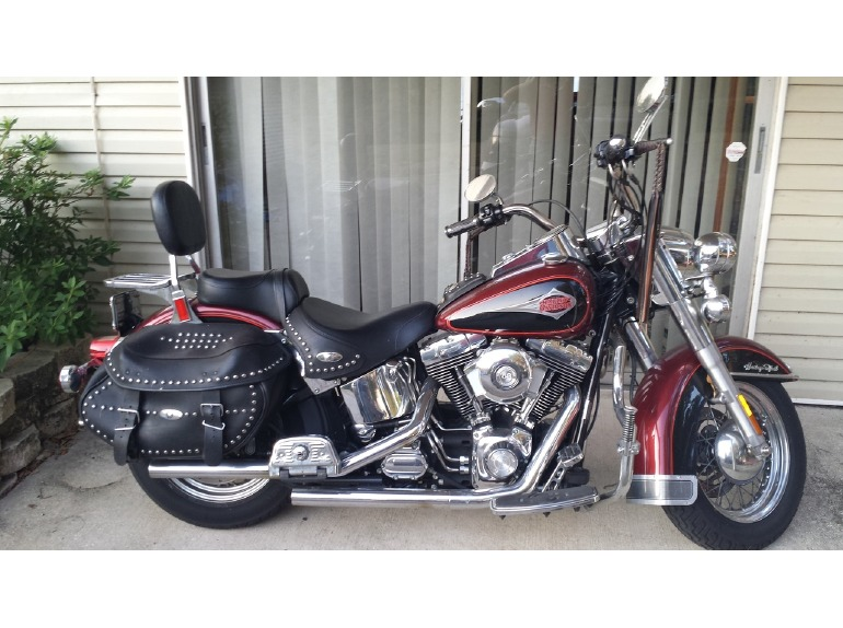 Harley Davidson Heritage Softail Classic motorcycles for