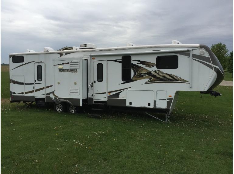 2014 Keystone Montana Mountaineer 346LBQ