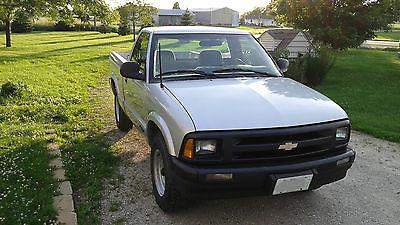 Chevrolet : S-10 1994 chevrolet s 10 pickup 2 door 4.3 l