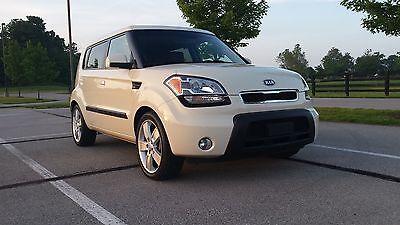 Kia : Soul Exclaim Hatchback 4-Door 2010 kia soul exclaim 2.0 5 spd manual