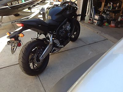 Honda : CBR 2014 honda cbr 650 f very low miles excellent condition under warranty