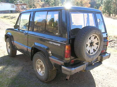 Isuzu : Trooper RS 1989 isuzu trooper rs 4 x 4 swb 2 door 5 speed