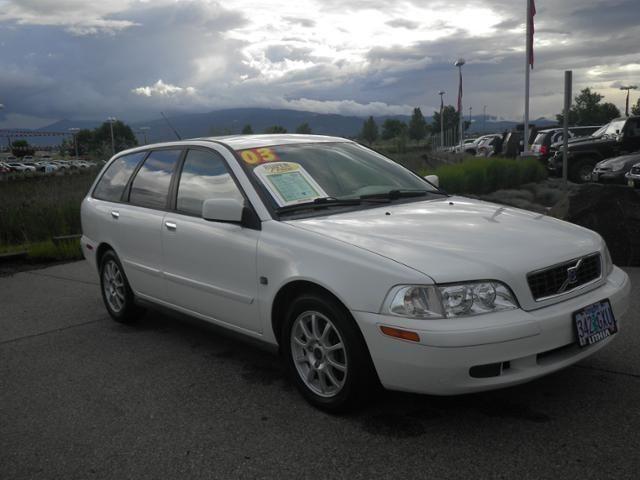 2003 VOLVO V40  A