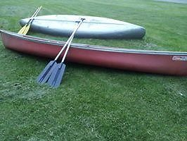 15ft Coleman Canoe with Paddles