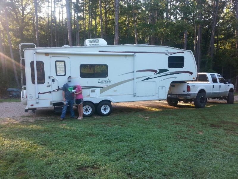 2004 Keystone Laredo 5th Wheel Camper