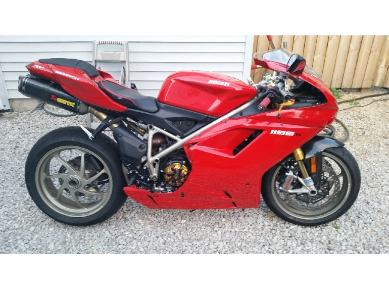 ducati superbike motorcycles for sale in columbus ohio. Black Bedroom Furniture Sets. Home Design Ideas