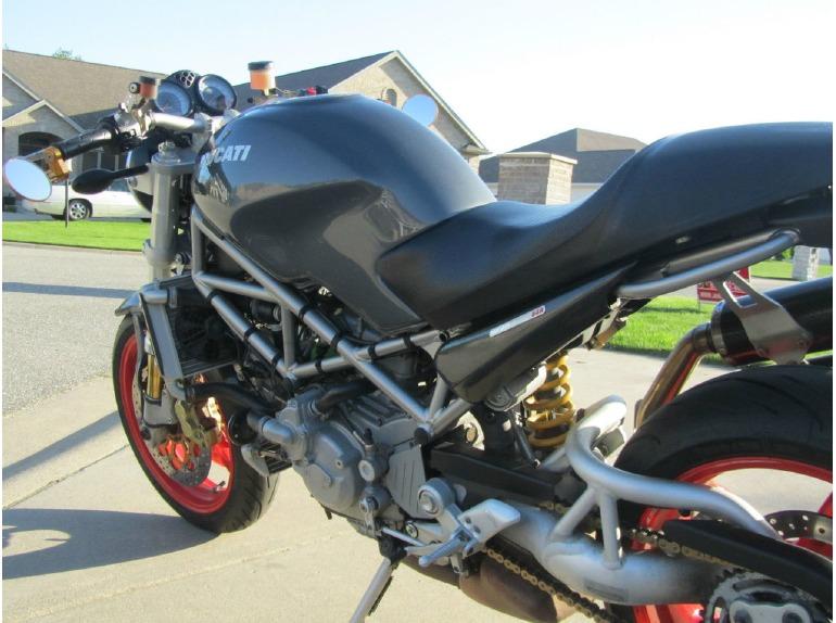 2004 Ducati Monster 900