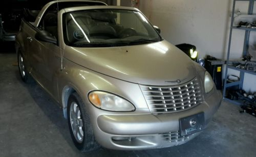 Chrysler : PT Cruiser Touring Convertible 2-Door 2005 chrysler pt cruiser touring convertible 2 door 2.4 l
