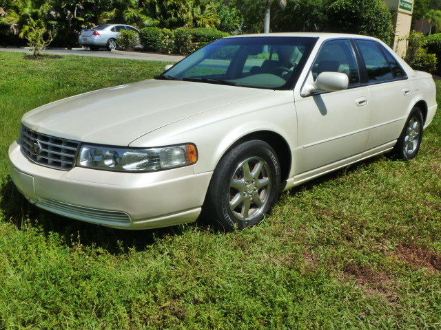 Cadillac : Seville 4dr Luxury S 2001 cadillac seville sls pearl white heated seats chrome wheels very nice sharp