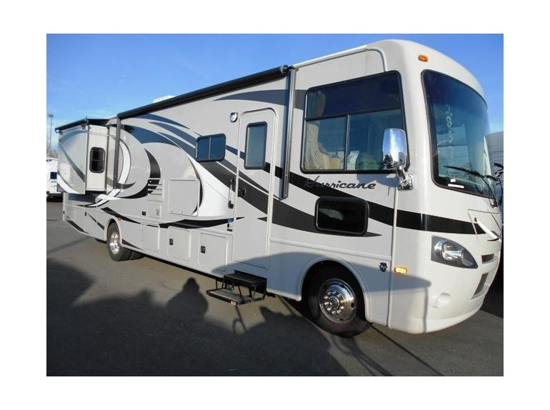 2015 Thor Motor Coach Hurricane 34E