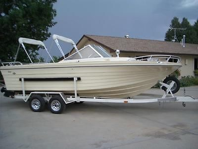 IMP Boat 23'  New Condition Low hours.New Interior & Paint! Trailer, New tires/r