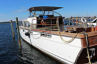 1958 55' Chris Craft Conqueror Vintage Yacht 3 Stateroom 3 Head Rare 1 of a kind