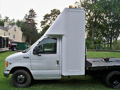 Ford : E-Series Van Tow Truck  2002 ford e 350 econoline base cutaway van 2 door 7.3 l