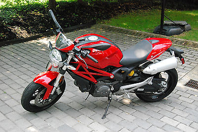 Ducati : Monster 2009 ducati monster 696 excellent condition and low miles