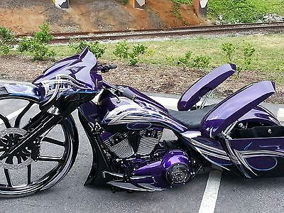Harley Davidson Street Glide Custom With 30 Inch Bagger