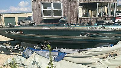 1993 Hydra Sports LS180 Bass Boat (Johnson 150HP Fast Strike Motor) w/ Trailer