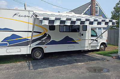 2004 FOUR WINDS 31' FUN MOVER RV