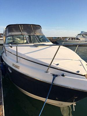 2005 RINKER 270 GORGEOUS Blue Hull. BEST DEAL ON EBAY! LIKE NEW. 5.7 VOLVO PENTA