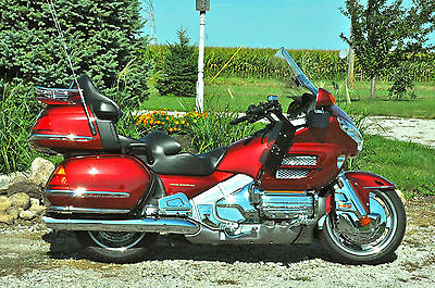 Honda : Gold Wing Illusion Red in very good condition