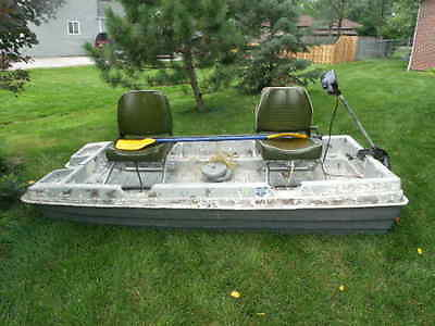 8 1/2' FIBERGLASS FLAT FISHING BOAT-SWIVEL SEATS-DEPTH FINDER-MOTOR