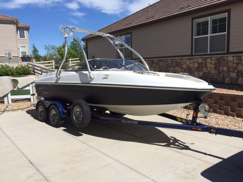 2007 Glastron GT205 21' low hours