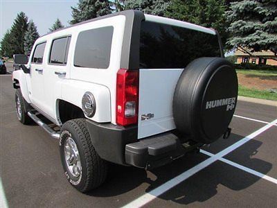 Hummer : H3 4WD 4dr SUV 4 wd 4 dr suv suv automatic gasoline 3.7 l 5 cyl white