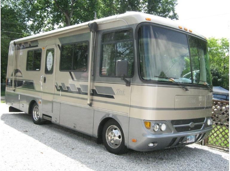 2004 Safari Trek 2610