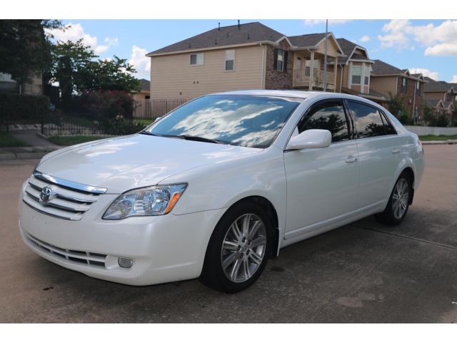 Toyota : Avalon 4dr Sdn Limi 2007 toyota avalon limited pearl white heated cool seats clean rust free