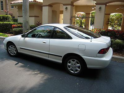 Acura : Integra LS Hatchback 3-Door 1996 acura integra ls 35 800 miles one owner