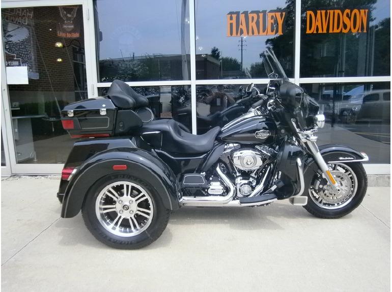 2013 Harley-Davidson FLHTCUTG - Tri Glide Ultra Classic