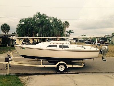1987 Catalina 22 Sailboat with Trailer and 1987 7.5 HONDA outboard motor
