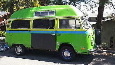 Volkswagen : Bus/Vanagon 2 doors with 1 sliding door Volkswagen bus/transportersw Wild Westerner Edition green 1973