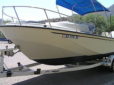 BOSTON WHALER 22 OUTRAGE CUDDY CENTER CONSOLE LOW TIME LK NEW ELEC START KICKER
