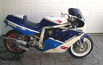 Suzuki : GSX-R 1988 sling shot gsxr 750 rare recently restored the one you ve been looking