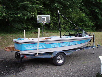 1988 Ski Nautique 2001 by Correct Craft