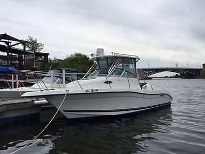 2000- 24 feet Seaswirl Striper boat
