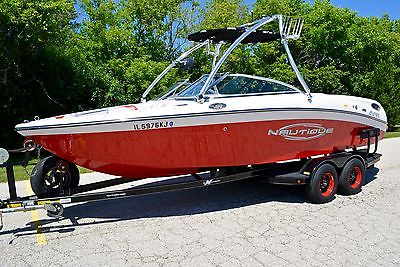 2005 Correct Craft 226 SKI NAUTIQUE 226 LIMITED. W/ ONLY 290 Hours. IMMACULATE!!