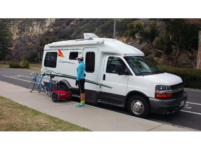 2009 Great West Vans Titan Wide Body