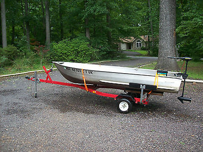 VERY NICE  12 FT BOAT ,TRAILER & TROLLING MOTOR PACKAGE.