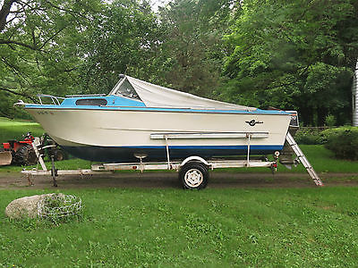 Crestliner 20 foot fiberglass boat with 70 hp Johnson outboard