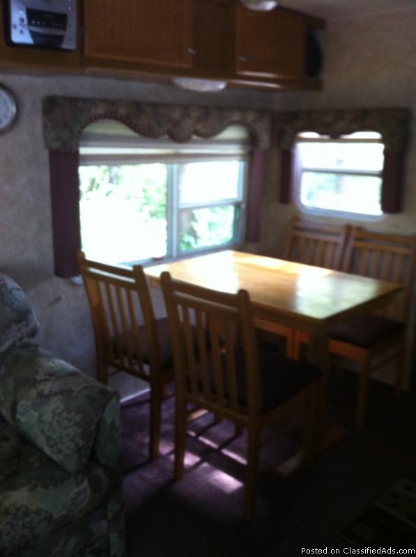 Four Wind 5th Wheel camper