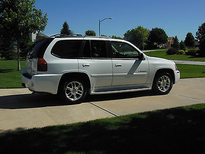 GMC : Envoy Denali Better than new one owner non smoker excellant condition