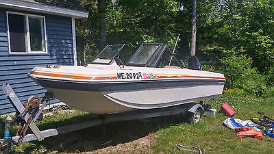15' 1979 Chrysler boat w/ trailer, Mercury outboard motor, and Fish Finder