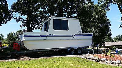 Houseboat Fiberglass Catamaran Cruiser Lil Hobo Vagabond 26' Use as a Camper too