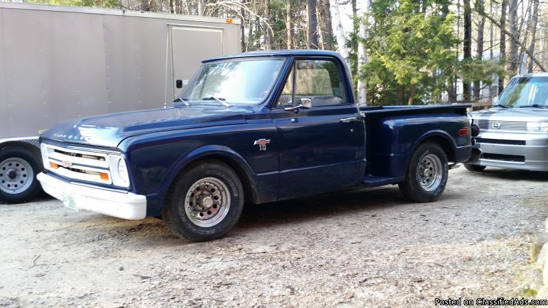 Lowered 1967 Chevy C10 Stepside